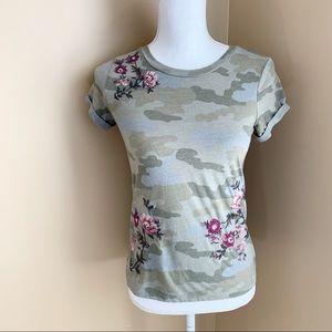 AE Camo Tee Embroidered Flower Short Sleeve Shirt